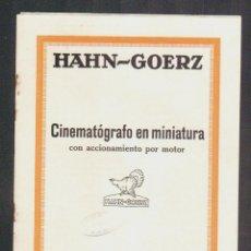 Cámara de fotos: CINEMATÓGRAFO EN MINIATURA CON ACCIONAMIENTO POR MOTOR.HAHN-GOERZ + HOJILLA.AÑOS 20S.. Lote 90561645
