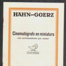 Cámara de fotos: CINEMATÓGRAFO EN MINIATURA CON ACCIONAMIENTO POR MOTOR.HAHN-GOERZ + 2 HOJILLAS.AÑOS 20S.. Lote 90561805