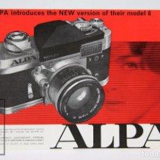 Cámara de fotos: FOLLETO PUBLICITARIO EN INGLÉS - CÁMARA DE FOTOS ALPA 6 - AÑOS 60-70 . Lote 91362185