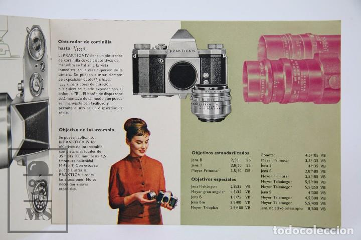 Cámara de fotos: Folleto Publicitario de Fotografía - Cámara de Fotos Praktica IV - IV B - Años 60-70 - Foto 2 - 91367635
