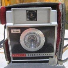 Cámara de fotos: CÁMARA DE FOTOS KODAK BROWNIE. Lote 96830863