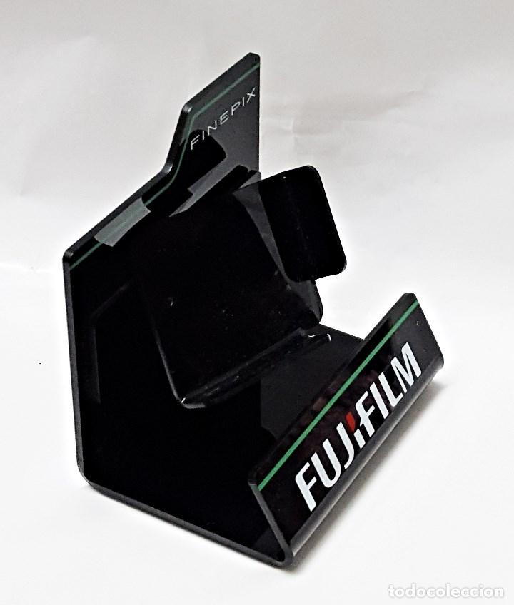 Cámara de fotos: Soporte expositor de camara FUJIFILM FinePix. - Foto 4 - 101018571