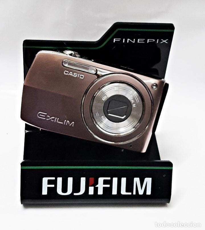 Cámara de fotos: Soporte expositor de camara FUJIFILM FinePix. - Foto 5 - 101018571