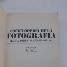 Cámara de fotos: ENCICLOPEDIA DE LA FOTOGRAFIA..UN SOLO VOLUMEN.CURIOSO.AÑOS 70-EDITORIAL NOGUER.. Lote 103762855