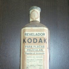 Cámara de fotos: FRASCO DE CRISTAL REVELADOR DE KODAK. Lote 104284852
