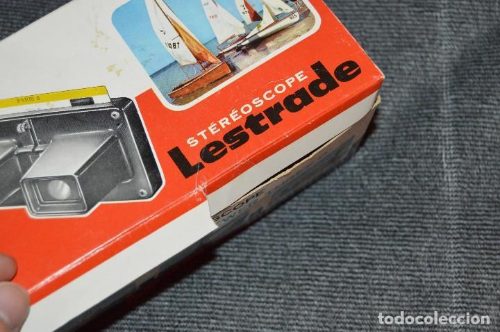 Cámara de fotos: VISOR ESTEREOSCÓPICO - STÉRÉOSCOPE LESTRADE SIMPLEX ROUGE - FRANCE - CON DISCO JUAN PABLO II - 70S - Foto 17 - 107922515