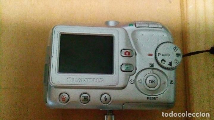 Cámara de fotos: Cámara digital olympus, con pequeño trípode - Foto 3 - 109182375
