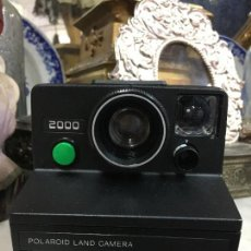 Cámara de fotos: CAMARA DE FOTOS POLAROID LAND CAMERA 2000. Lote 110383515