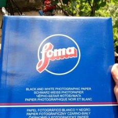 Cámara de fotos: ESTUCHE SOBRE DE 25 LAMINAS DE PAPEL FOTOGRAFICO .MADE IN CHEXIA .2006A 30/40. Lote 124471779