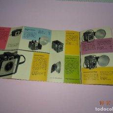 Cámara de fotos: ANTIGUO CATÁLOGO PUBLICITARIO DE CÁMARAS FOTOGRÁFICAS Y PRODUCTOS KODAK - AÑO 1954. Lote 128359027