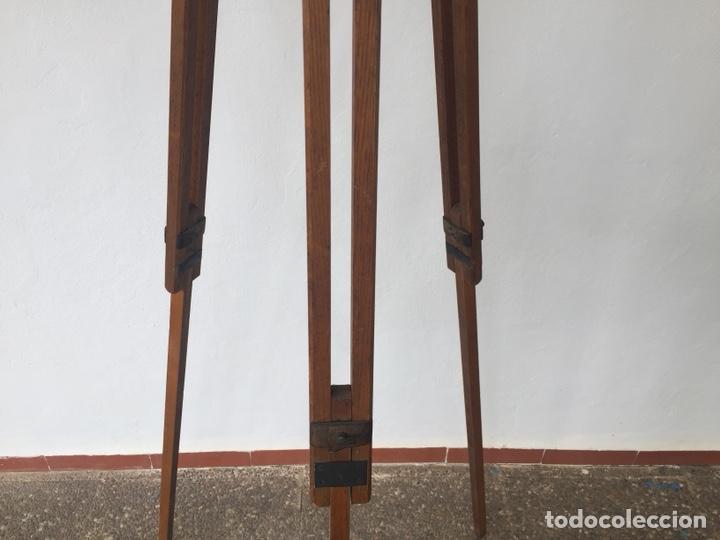 Cámara de fotos: Trípode de madera - Foto 9 - 128764515