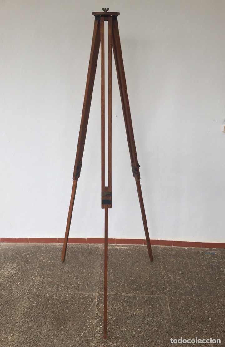 TRÍPODE DE MADERA (Cámaras Fotográficas - Otras)