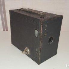 Cámara de fotos: CAMARA DE FOTOS CAJON BROWNIE MODEL 2. Lote 131754634