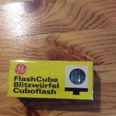 Cámara de fotos: FLASH CUBE GENERAL ELECTRIC 3 CUBOS 12 FLASHES CAMARA. Lote 143159357
