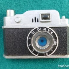 Cámara de fotos: MECHERO EN FORMA DE CAMARA FOTOGRAFICA CLASICA..FUNCIONA... Lote 146998794