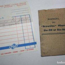 Cámara de fotos: MANUAL DE CAMARAS DE FOTOS KODAK BROWNIE PLIANT SIX 20 Y 16, HACIA 1930 + FACTURA. Lote 147781474