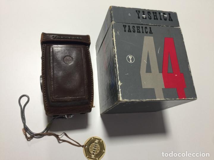 YASHICA 44 EN CAJA , FUNDA Y CONTROL DE CALIDAD - (Cámaras Fotográficas - Otras)