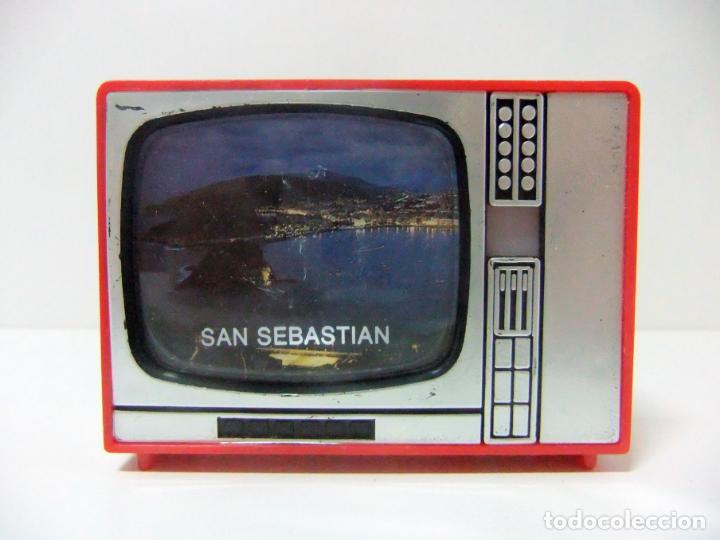 VISOR TELEVISOR SOUVENIR SAN SEBASTIAN - TELEVISIÓN TV TURISMO FOTOS DIAPOSITIVAS DONOSTI CONCHA DE (Cámaras Fotográficas - Visores Estereoscópicos)