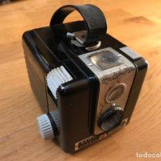 Cámara de fotos - Cámara de fotos Brownie Flash de Kodak. Antigua. Vintage - 154367537