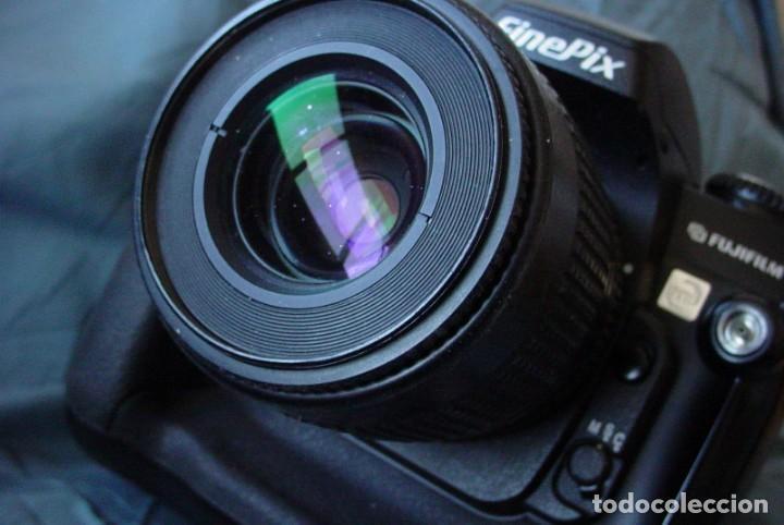 Cámara de fotos: Fujifilm S3 Pro con Objetivo Nikon - Foto 2 - 157732718