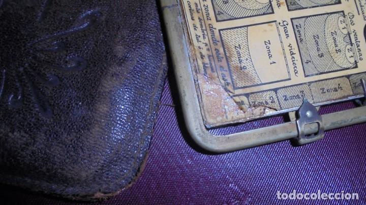 Cámara de fotos: LE POSOGRAPHE ANTIGUA TABLA PARA SABER COMO HACER FOTOGRAFIAS CARTON Y METAL , FUNDA DE PIEL - Foto 3 - 160950282