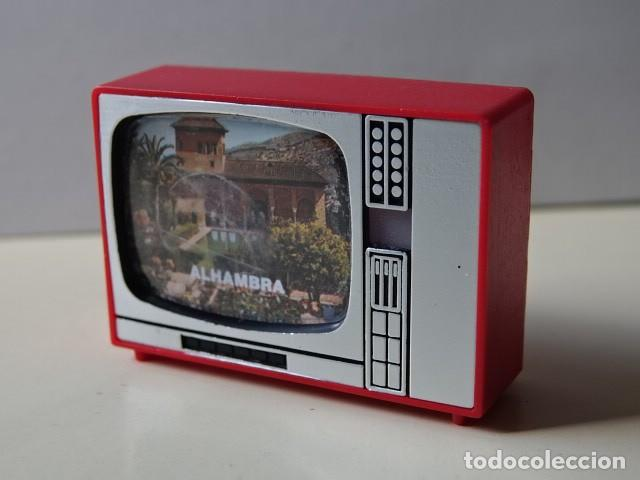 TELEVISIÓN VISOR DIAPOSITIVAS RECUERDO ALHAMBRA GRANADA TELE JUGUETE SOUVENIR MADE IN SPAIN (Cámaras Fotográficas - Visores Estereoscópicos)