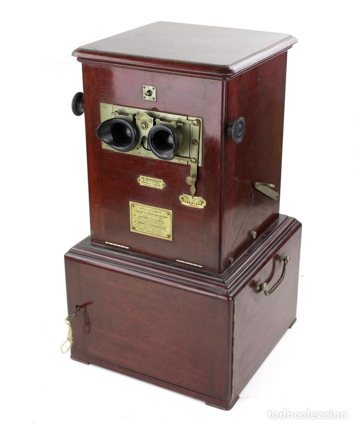 Cámara de fotos: LE TAXIPHOTE. Visor estereoscópico Richard para cristales 10x4 cm. En buen estado. ver fotos anexas - Foto 2 - 166116070