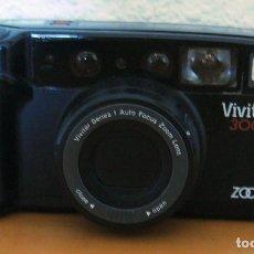 Cámara de fotos: CÁMARA FOTOGRÁFICA VIVITAR 300Z. ZOOM - MADE IN JAPAN - FUNCIONA PERFECTAMENTE. Lote 166130846