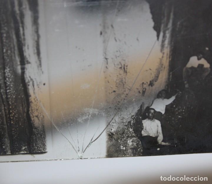 Cámara de fotos: UNIS FRANCE, PARIS (Ca.1900) VISOR DE MANO ESTEREOSCOPICO EN BAQUELITA CON 16 CRISTALES - Foto 13 - 166154474