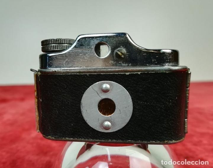 Cámara de fotos: CÁMARA FOTOGRÁFICA MINI ELECTRONIC (CIRCA 1960) JAPÓN - Foto 3 - 166748882