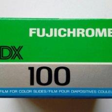 Cámara de fotos: 1 X FUJICHROME 100 PARA DIAPOSITIVA - CADUCADA 1988 - LOMOGRAPHY - LOMO - EXPERIMENTAL - EN COLOR. Lote 168335020