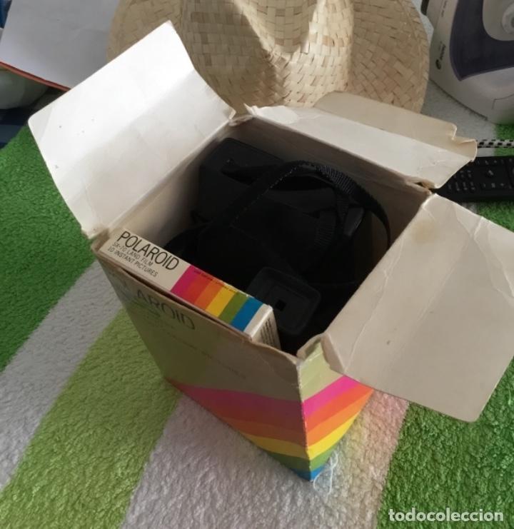 Cámara de fotos: Cámara polaroid con pelicula y caja y corcho - Foto 2 - 172939592