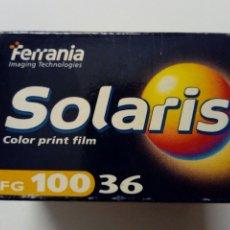 Cámara de fotos: FERRANIA SOLARIS 100 - CARRETE DE PELÍCULA EN COLOR CADUCADA (ABRIL 2004) - LOMOGRAPHY - LOMO. Lote 176968729