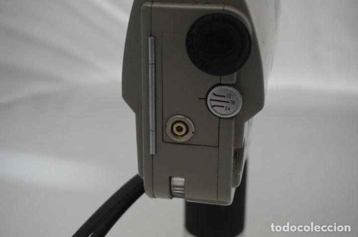 Cámara de fotos: ANTIGUA CAMARA DE CINE MINOLTA AUTO ZOOM 8 TIENE MALETIN DE CUERO ORIGINAL - Foto 7 - 178448871