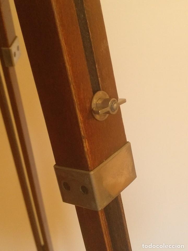 Cámara de fotos: ANTIGUO TRIPODE EXTENSIBLE Y PLEGABLE DE MADERA - Foto 15 - 180345525