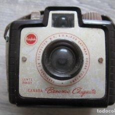 Cámara de fotos: CAMARA DE FOTOS KODAK BROUNIE CHIQUITA. Lote 180964870