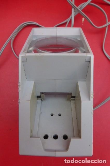 Cámara de fotos: Visor de diapositivas Pentacon, modelo DB 1..DDR..Años 70. Caja original y funcionando.35mm - Foto 7 - 181425932