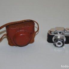 Cámara de fotos: CÁMARA FOTOGRÁFICA EN MINIATURA - HIT - MINI CÁMARA DE FOTOS - FUNDA DE CUERO - JAPÓN. Lote 184053750