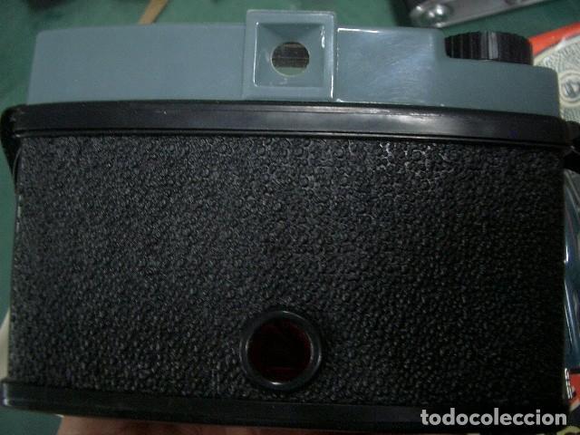 Cámara de fotos: Diana con flash y caja original - Foto 3 - 187615356