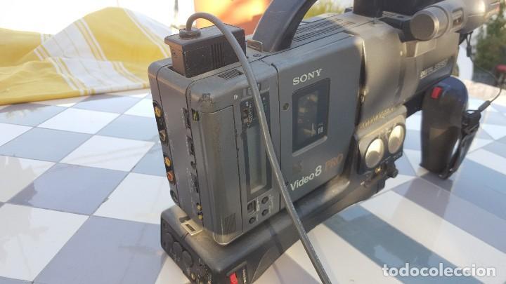 Cámara de fotos: Sony Camara de Video CCD-V200E Video 8 PRO - Foto 2 - 190871831