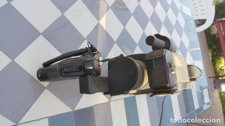 Cámara de fotos: Sony Camara de Video CCD-V200E Video 8 PRO - Foto 6 - 190871831