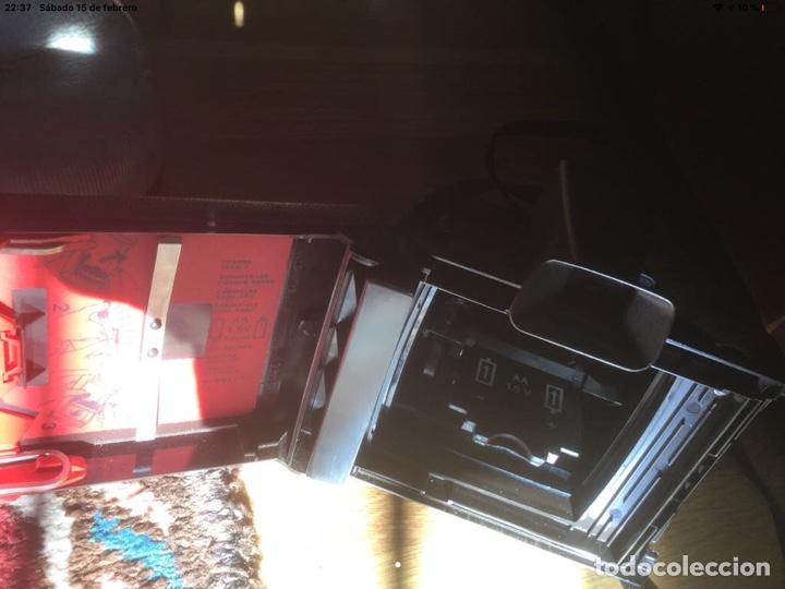 Cámara de fotos: Polaroid EE 33 de 1976 - Foto 2 - 194161091