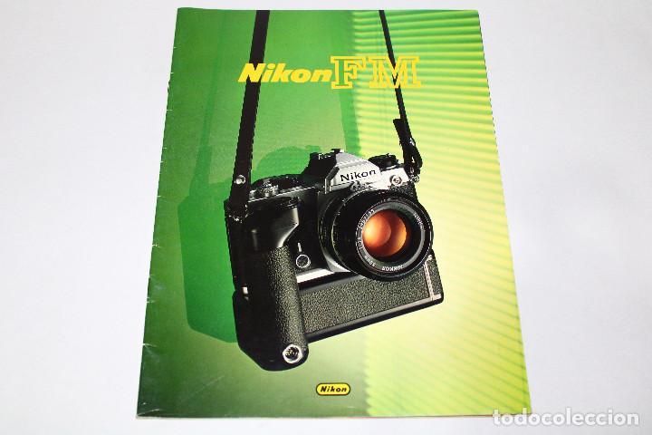 CATÁLOGO CÁMARA NIKON FM - '80S. - 15 PÁG. (Cámaras Fotográficas - Catálogos, Manuales y Publicidad)
