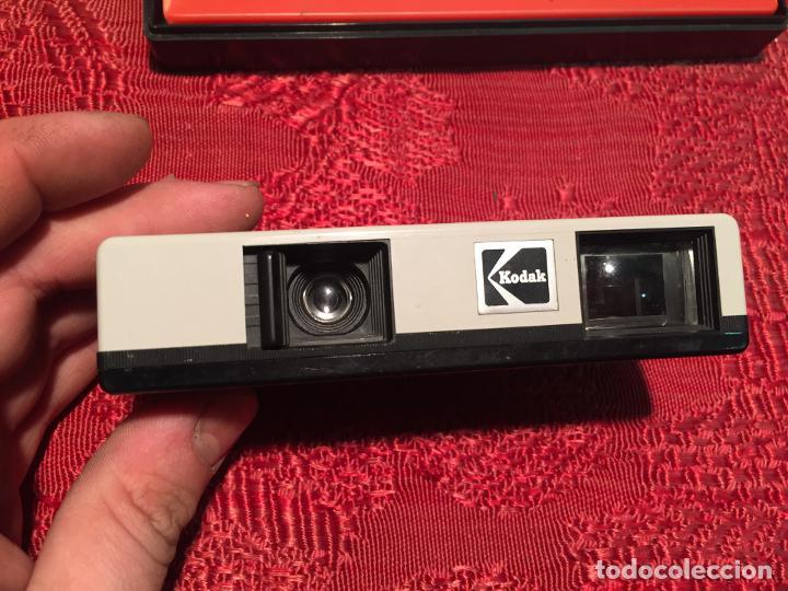 Cámara de fotos: Antigua maquina de fotos / fotografias marca Kodak Instamatic años 70 -80 - Foto 8 - 196210221