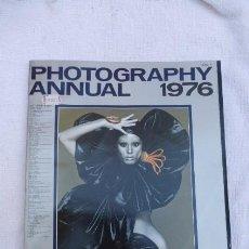 Cámara de fotos: PHOTOGRAPHY ANNUAL..AÑO 1976..COMPENDIO FOTOGRAFICO AÑO1976, INGLES..CURIOSO.. Lote 197319307