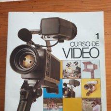 Cámara de fotos: LOTE DE 18 LIBROS CURSO DE VIDEO AÑO 1983. Lote 204348416