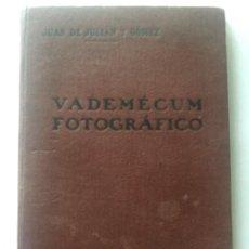 Cámara de fotos: VADEMECUM FOTOGRAFICO - JUAN DE JULIAN Y GOMEZ - MADRID 1916 - 80P.. Lote 204440027