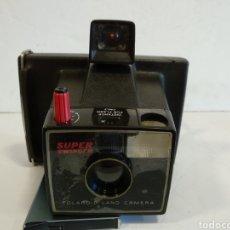Cámara de fotos: CAMARA POLAROID SUPER SWINGER.AÑOS 70. Lote 206238037