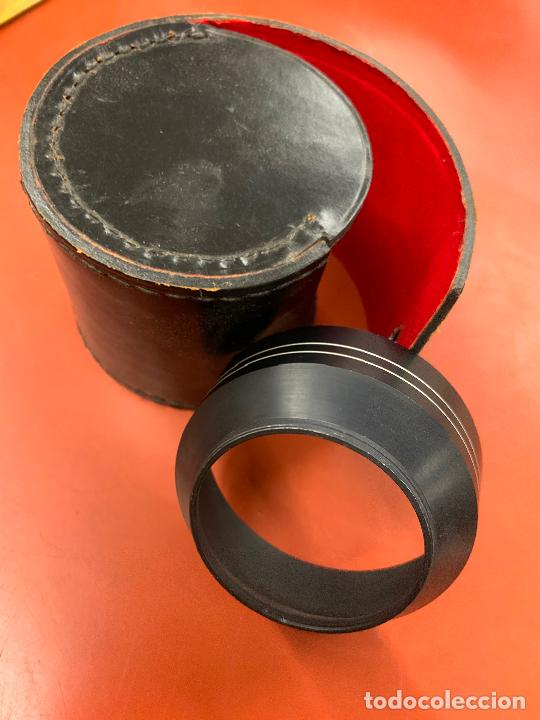 Cámara de fotos: Accesorio de camara de fotografia antigua en su funda original de cuero - Foto 3 - 207203935