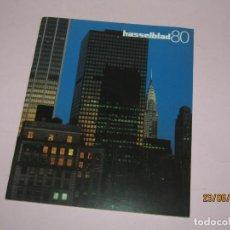 Cámara de fotos: ANTIGUA REVISTA Nº 19 DE HASSELBLAD 80 DEL AÑO 1984. Lote 209648265